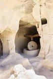 9-13ème moulin de pierre de personnes de Zelvia de siècle Images stock