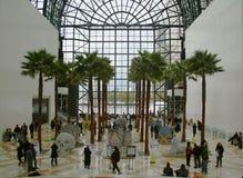21ème NY concurrence annuelle de Canstruction au jardin d'hiver d'endroit de Brooklfield à New York Photo libre de droits