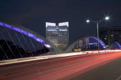 7ème pont occidental dans les scènes TX de nuit de Fort Worth de ville Photos libres de droits