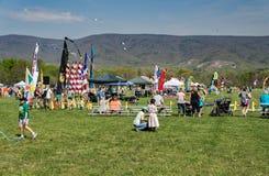 19ème Ridge Kite Festival bleu annuel photographie stock libre de droits