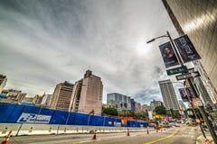 5ème rue dans L du centre a Photos libres de droits