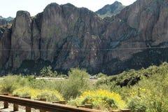 4ème tour annuel de moto pour les chevaux sauvages de la rivière Salt, Arizona, Etats-Unis image stock