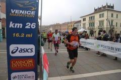 28ème Venicemarathon : le côté amateur Photos stock
