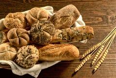 面包,在白色的混合 免版税图库摄影