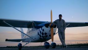 飞行员和他的小型飞机,关闭 股票录像