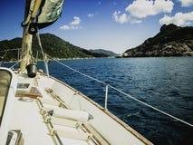 风船在酸值陶,暹罗湾附近的法戈42航行 库存图片