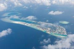 马尔代夫首都男性,从上面蓝色海和小船 免版税图库摄影