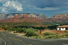 驾驶到红色岩石sedona 库存图片