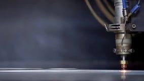 高精度CNC激光焊金属板,高速切口,激光焊,削减技术,激光焊的激光 影视素材