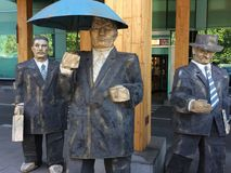 Één of ander die soort een standbeeld achter het gebouw wordt gevonden royalty-vrije stock foto