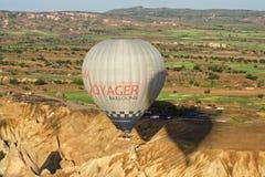 Één ballon in cappadocia stock foto