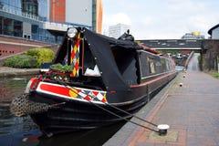 Één boot op het oude kanaal van Birmingham Stock Afbeeldingen