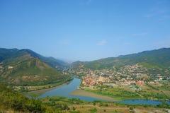 Één de beroemdste plaats in Georgië - hoogste mening van Jvari-klooster aan Aragvi en Mtikvari riger en oude hoofdmtskheta stock fotografie