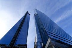 Één en Vier World Trade Centergebouwen Royalty-vrije Stock Afbeeldingen