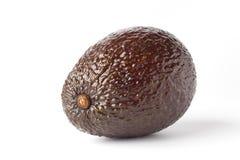 Één enkele avocado op witte achtergrond Royalty-vrije Stock Foto's