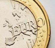 Één Euro muntstuk op wit Stock Fotografie