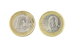 één euro muntstukclose-up op wit Royalty-vrije Stock Foto's