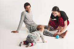 Één gelukkige familie stock afbeelding
