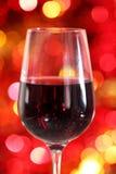Één glas van de rode wijn royalty-vrije stock fotografie