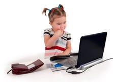 Één het kleine meisje denken. royalty-vrije stock afbeelding