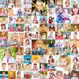 Één jaar in het leven van twee jonge zusters Royalty-vrije Stock Foto