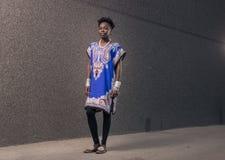Één, jonge volwassen, zwarte Afrikaanse Amerikaanse vrouw, 20-29 jaar, bla Royalty-vrije Stock Afbeelding