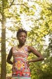 Één, jonge volwassen, zwarte Afrikaanse Amerikaanse vrouw 20-29 jaar, hand Stock Foto