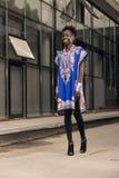 Één, jonge volwassen, zwarte Afrikaanse Amerikaanse vrouw, 20-29 jaar, KMIO Royalty-vrije Stock Afbeelding