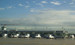 Één kant van Lufthansa dat schort in München, Duitsland parkeert Royalty-vrije Stock Foto
