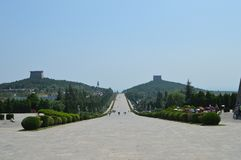Één keizermausoleum en twee keizers stock fotografie