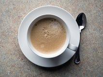 Één kop van koffie stock fotografie