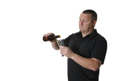 Één mens met bier Stock Afbeelding