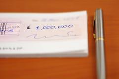 Één miljoen dollar cheque Stock Afbeelding
