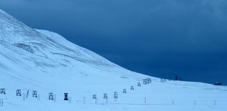 Oude mijnvallei van Longyearbyen Stock Afbeeldingen