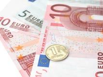 Één roebelmuntstuk van de euro bankbiljetten Stock Foto
