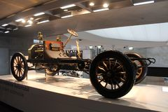 Één van de betere eerste automodellen Mercedes stock afbeelding