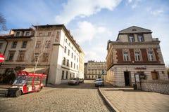 Één van de straten in historisch centrum van Krakau Royalty-vrije Stock Foto's