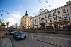 Één van de straten in historisch centrum van Krakau Stock Fotografie