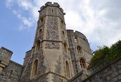 Één van de torens bij de muur van Windsor Castle Het Verenigd Koninkrijk stock afbeelding