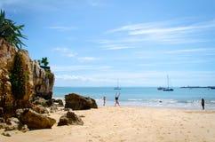 Één van het strand van Cascais in Lissabon Royalty-vrije Stock Foto