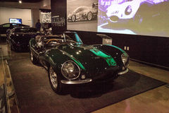 Één van slechts gebouwde 16, werd dit 1956 Jaguar XKSS bezeten door Steve M Royalty-vrije Stock Afbeelding