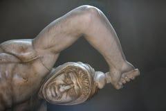 Één van standbeeldenbeeldhouwwerken in de Musea van Vatikaan royalty-vrije stock foto