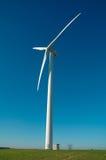 Één wind-turbine royalty-vrije stock afbeelding