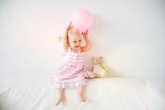 2 éénjarigenmeisje Stock Foto