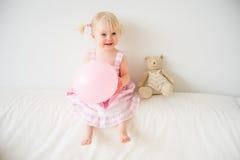 2 éénjarigenmeisje Stock Foto's