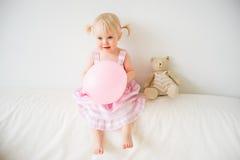 2 éénjarigenmeisje Royalty-vrije Stock Foto's