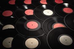 音乐五颜六色的背景由葡萄酒唱片做成 库存图片