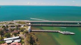 霍顿桥梁鸟瞰图,连接雷德克利夫半岛 股票录像