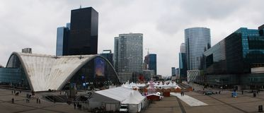 防御的全景视图,商业区在巴黎,法国 免版税图库摄影