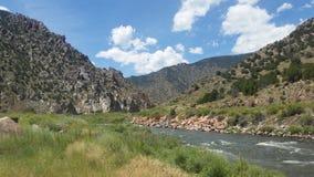 阿肯色河在一盛大天 免版税库存图片